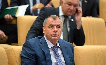 В. Константинов