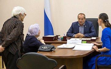 В. Куликов провел прием граждан вОбщественной приемной СФ