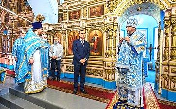 Николай Федоров посетил храм Успения Пресвятой Богородицы вЧебоксарском районе Чувашии