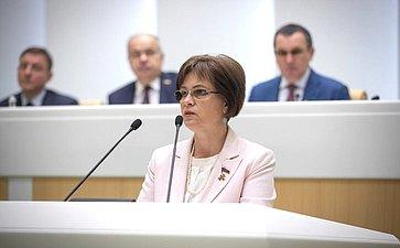 Елена Попова