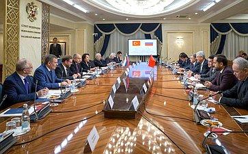 Встреча И. Умаханова спредседателем Комиссии помеждународным делам Великого Национального Собрания Турции