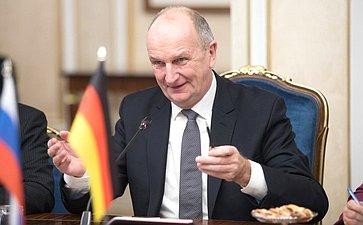 Премьер-министр федеральной земли Бранденбург (Федеративная Республики Германия) Дитмар Войдке