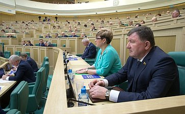 Н. Жданова И. Лиханов