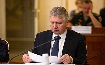 М. Калашник