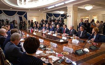 Встреча сделегацией Конгресса США воглаве спредседателем Комитета Сената поассигнованиям Ричардом Шелби