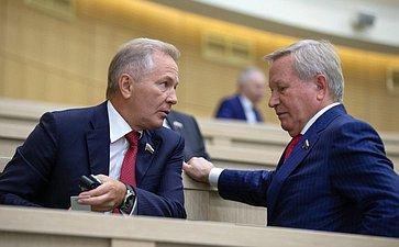 В. Пономарев иМ. Афанасов