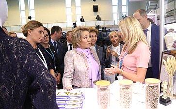 В. Матвиенко открыла выставку проектов женщин-экспортеров «Сделано вРоссии: экспорт руками женщин»