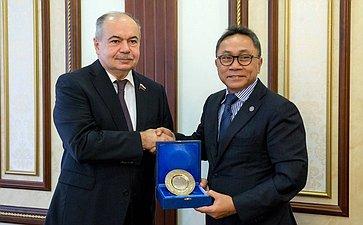 Встреча И. Умаханова сПредседателем Народного консультативного конгресса Индонезии З. Хасаном