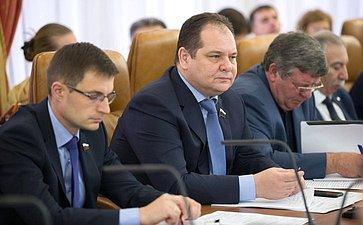 Д. Шатохин иР. Гольдштейн