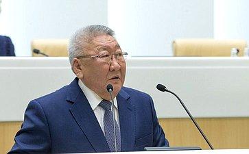 Глава Якутии Е. Борисов
