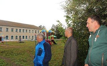 Сергей Михайлов входе работы врегионе посетил село Нарын-Талача Карымского района