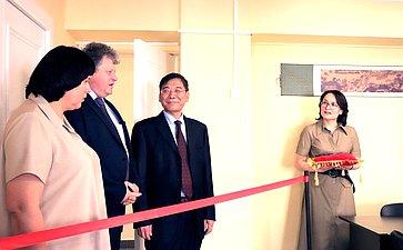 Елена Афанасьева приняла участие вторжественной церемонии открытия Исследовательского центра китайского языка икультуры