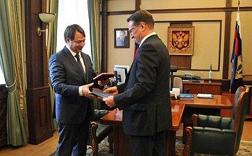 С.Шатиров награждён медалью Якова Брюса