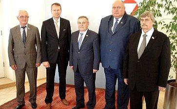 Встреча сенаторов сГенеральными секретарями Минобороны