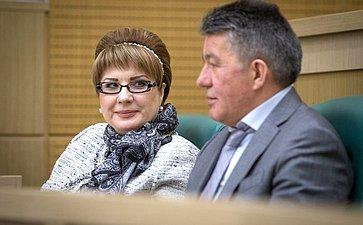 Елена Грешнякова иВиктор Озеров