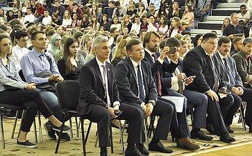 Сергей Фабричный встретился спервокурсниками Новгородского государственного университете им. Ярослава Мудрого