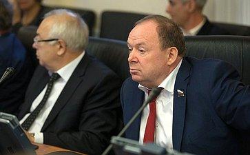 В. Бочков иВ. Лаптев