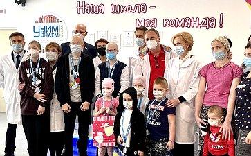 Сенаторы Российской Федерации посетили НМИЦ онкологии им. Н.Н.Блохина Министерства здравоохранения РФ