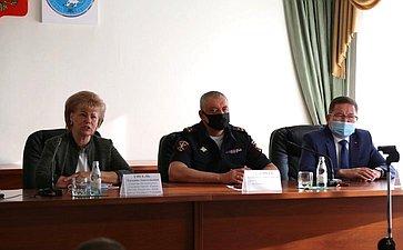 Татьяна Гигель врамках работы врегионе встретилась сличным составом министерства внутренних дел поРеспублике Алтай