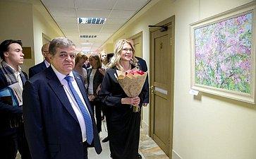Открытие вСовете Федерации художественной выставки «Подмосковные вечера»