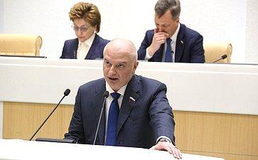 Совет Федерации одобрил увеличение числа кандидатов, включаемых вобщефедеральную часть списка навыборах вГосударственную Думу