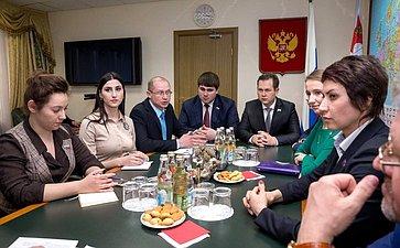 Встреча Ю. Воробьева смолодыми парламентариями