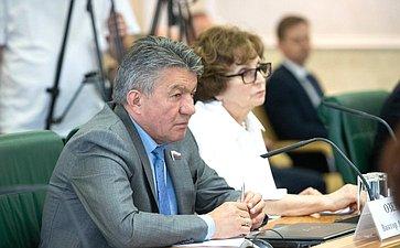 Виктор Озеров иЕкатерина Лахова