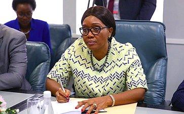 Премьер-министр Намибии С.Куугонгельва-Амадила