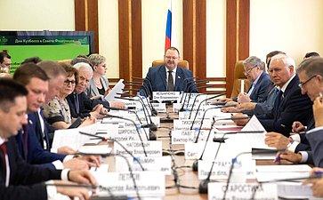 Расширенное заседание Комитета СФ пофедеративному устройству, региональной политике, местному самоуправлению иделам Севера сучастием представителей Кемеровской области— Кузбасса