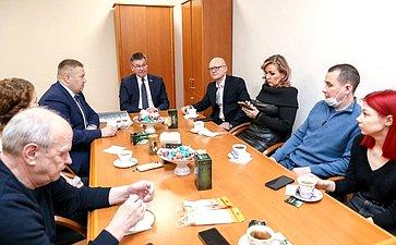 Д. Гусев поздравил журналистов Ненецкого автономного округа сДнём российской печати