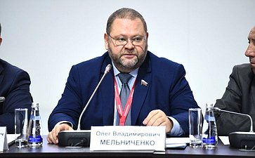 О. Мельниченко: Люди, проживающие в«апартаментах» иприобретающие их, должны получить определенные права игарантии