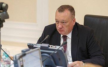 Заседание Комитета Совета Федерации по Регламенту и организации парламентской деятельности Тюльпанов