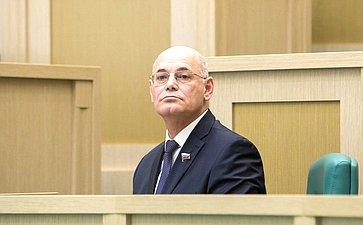 В. Круглый
