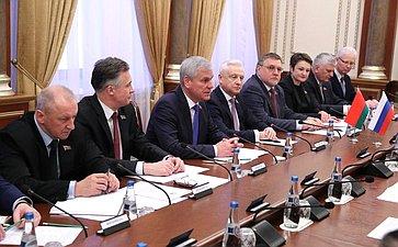 Встреча В. Матвиенко сПредседателем Палаты представителей Национального собрания Республики Беларусь В.Андрейченко