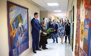 Выставка гобеленов Н. Озерной вСовете Федерации