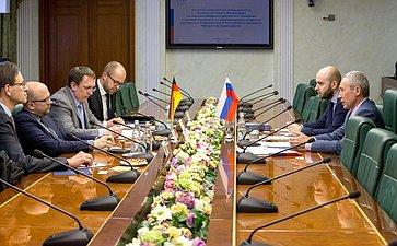 Встреча А.Климова счленом Комитета помеждународным делам Бундестага ФРГ Мануэлем Заррацином