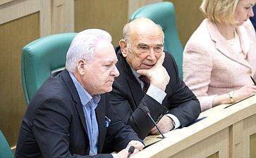 А. Лисицын иВ. Рогоцкий