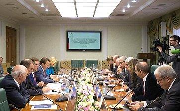 Встреча К. Косачева сэкс-министром обороны Французской Республики, президентом региона Нормандия Э.Мореном