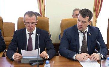 В. Кравченко иЭ. Исаков