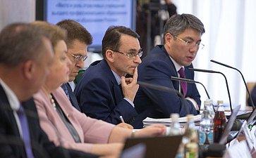 ВСФ прошли парламентские слушания натему «Место ироль отраслевых учреждений высшего профессионального образования всовременной системе образования России»