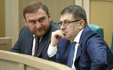 Р. Арашуков иА. Салпагаров