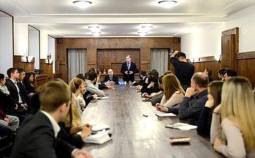 Встреча А. Кутепова смолодыми активистами Калининского района Санкт-Петербурга