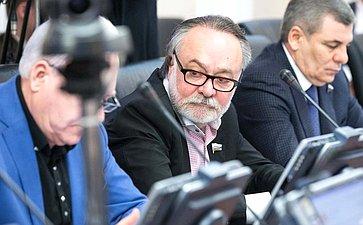 А. Тотоонов назаседании Комитета помеждународным делам