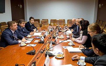 Встреча В. Джабарова сделегацией Управления Верховного комиссара ООН поделам беженцев воглаве сА.Авадом
