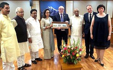 Делегация Комитета СФ поконституционному законодательству игосударственному строительству вРеспублике Индиюя