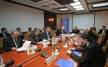 Расширенное заседание Комитета Совета Федерации поконституционному законодательству натему «Законодательное обеспечение состязательности вадминистративном производстве».