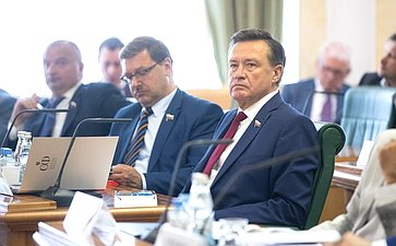 К. Косачев иС. Рябухин