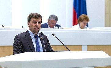 В. Харлов