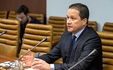 Встреча К. Косачева иО.Мельниченко сЧрезвычайным иПолномочным Послом Боливарианской Республики Венесуэла