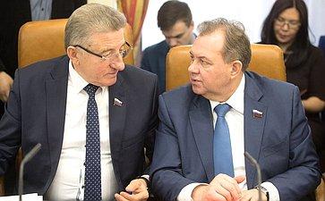 С. Лукин иВ. Павленко